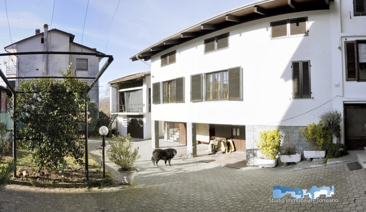 Appartamento in affitto a Borgofranco d'Ivrea, 2 locali, prezzo € 430 | CambioCasa.it