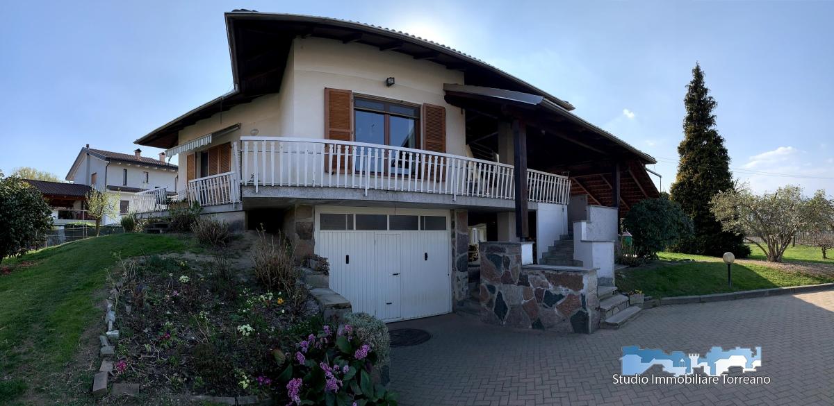 Villa in vendita a Romano Canavese, 9 locali, prezzo € 330.000 | PortaleAgenzieImmobiliari.it