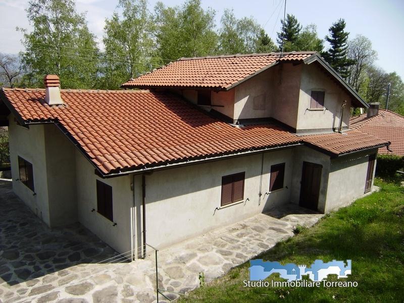 Villa in vendita a Pecco, 7 locali, prezzo € 180.000 | CambioCasa.it