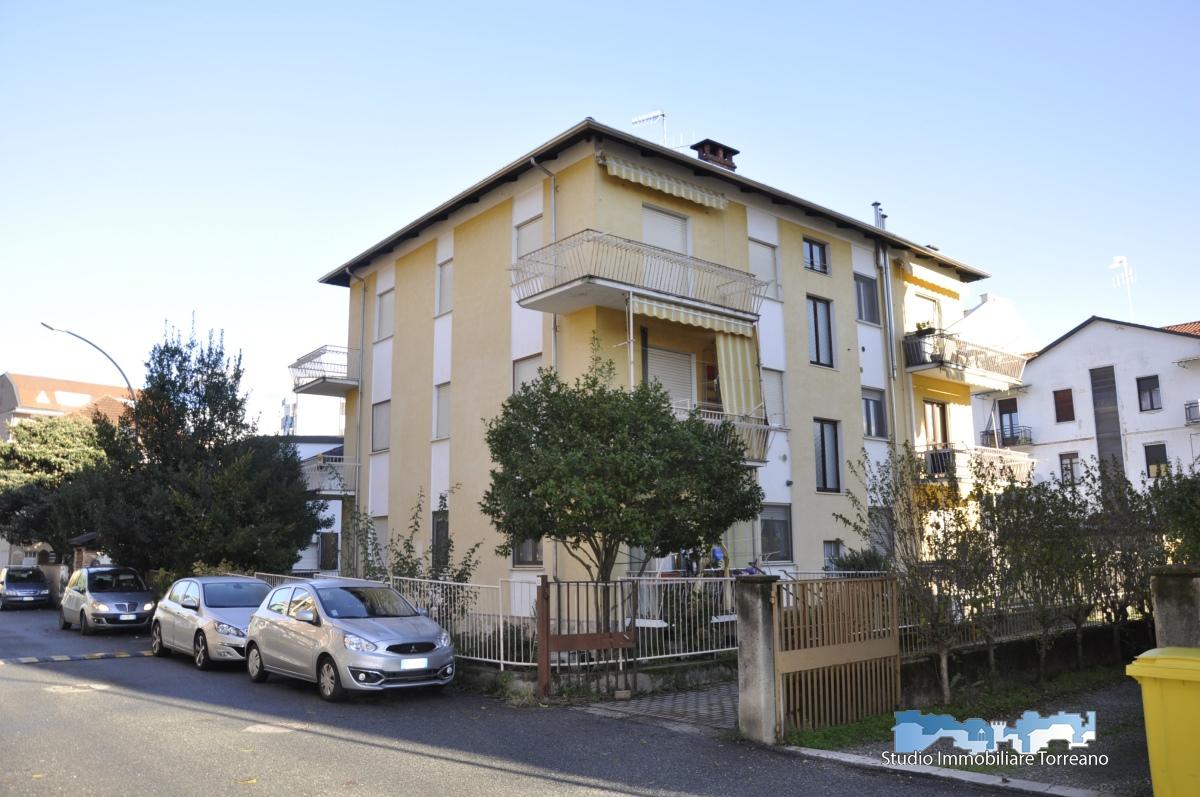 Appartamento in vendita a Ivrea, 3 locali, prezzo € 67.000 | CambioCasa.it