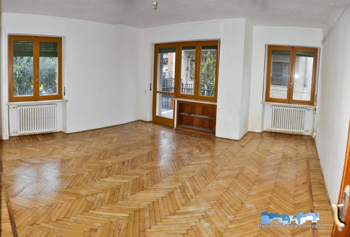 Appartamento in affitto a Ivrea, 4 locali, prezzo € 450 | PortaleAgenzieImmobiliari.it