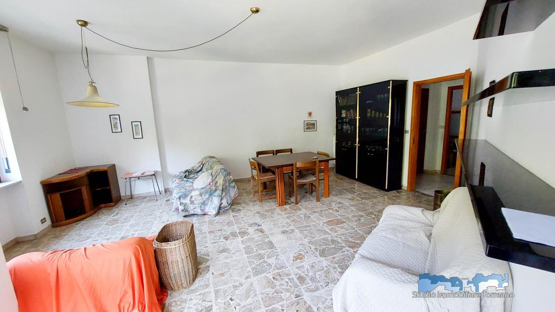 Appartamento in vendita a Banchette, 5 locali, prezzo € 95.000 | CambioCasa.it