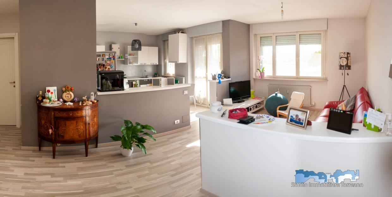 Appartamento in vendita a Ivrea, 5 locali, prezzo € 95.000 | PortaleAgenzieImmobiliari.it